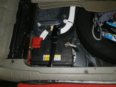 volvo-xc70-battery-01