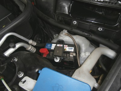 benz-c219-battery-05