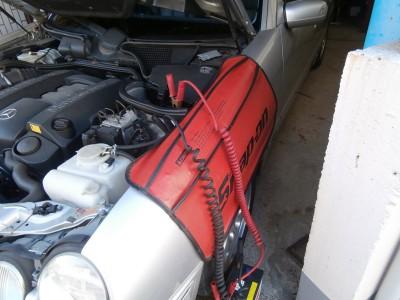 ベンツ E320 W210 バッテリー