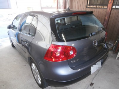 vw-golf5-battery-02